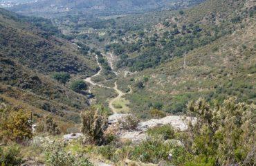 0000d7_spain_catalunya_Valley-between-hills-g.jpg