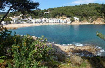 0000eb_spain_catalunya_Beach-front-g.jpg