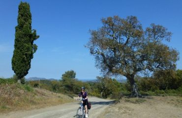 000101_spain_catalunya_Woman-cycling--g.jpg