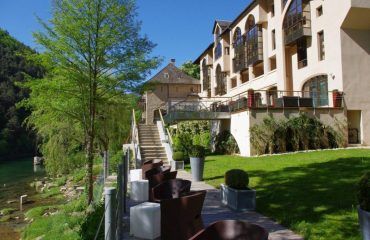 0001a9_france_pyrenees_Hotel-side-view-g.jpg