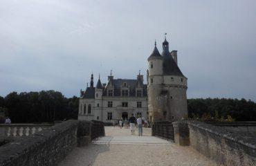 0001cc_france_loire_tourist-building-g.jpg