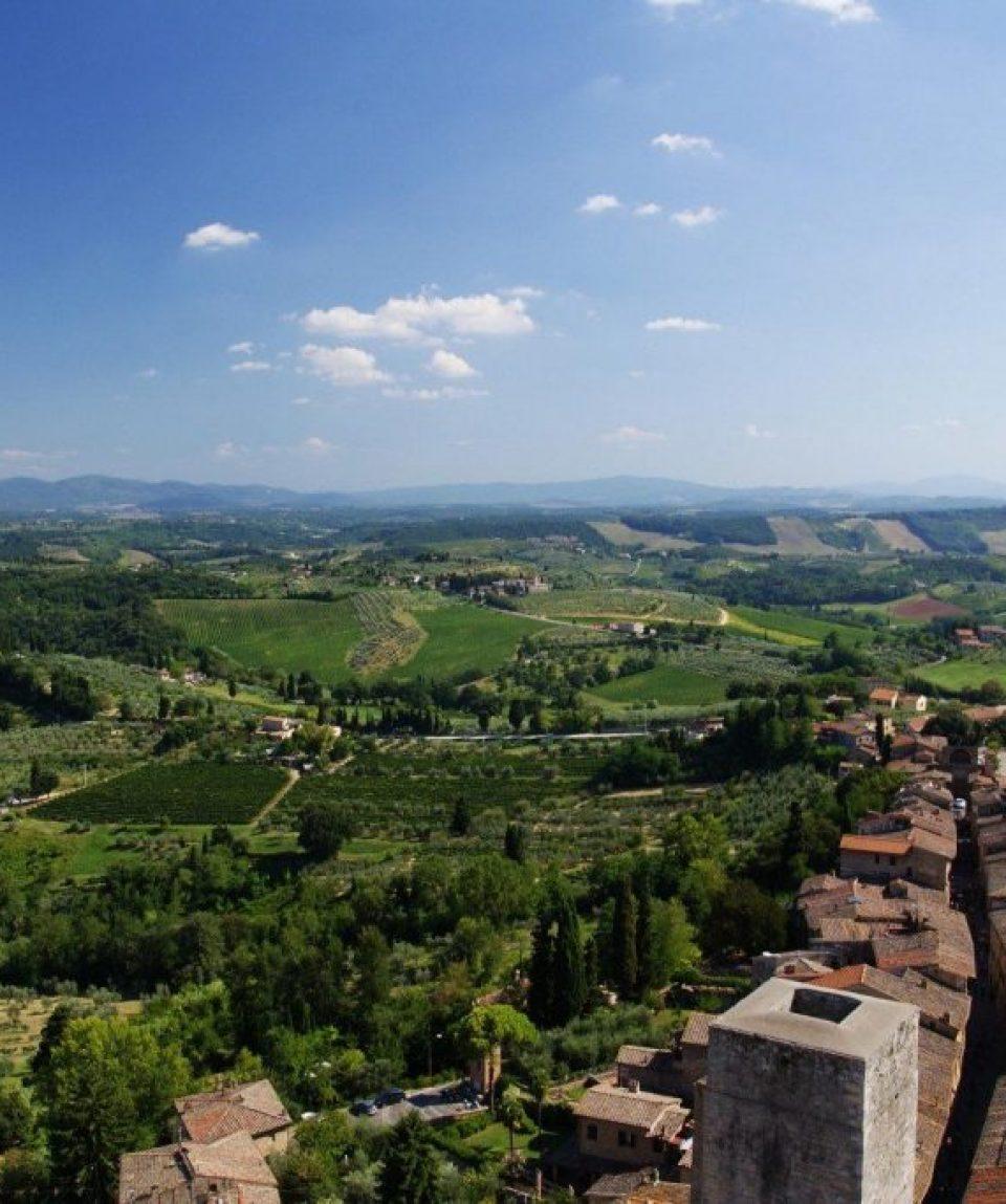 00023e_italy_chianti_San-Gimignano-roofto-g.jpg