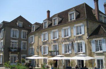 000383_france_burgundy_Hotel-in-Vezelay-are-g.jpg