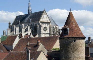 000388_france_burgundy_Church-building-in-B-g.jpg