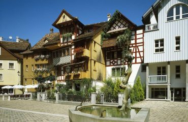 0003a1_lakeconstance_Town-square-in-Arbon-g.jpg