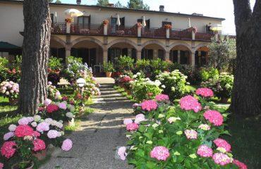 0003b5_italy_chianti_Hotel-in-Pancole-Ita-g.jpg