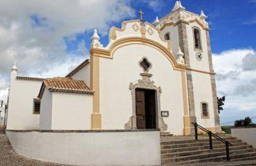 00049e_portugal_algarve_Church-at-Vila-do-Bi-g.jpg