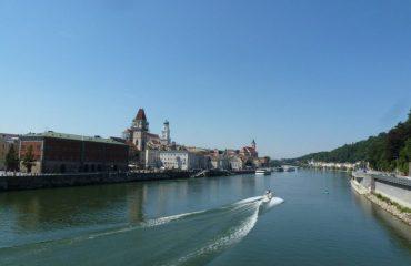 0004ab_austria_River-view-from-brid-g.jpg