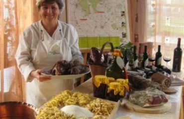 0004e3_italy_venetia_hotelier-with-food-g.jpg