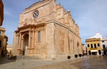 000591_spain_menorca_Large-building-in-Ci-g.jpg