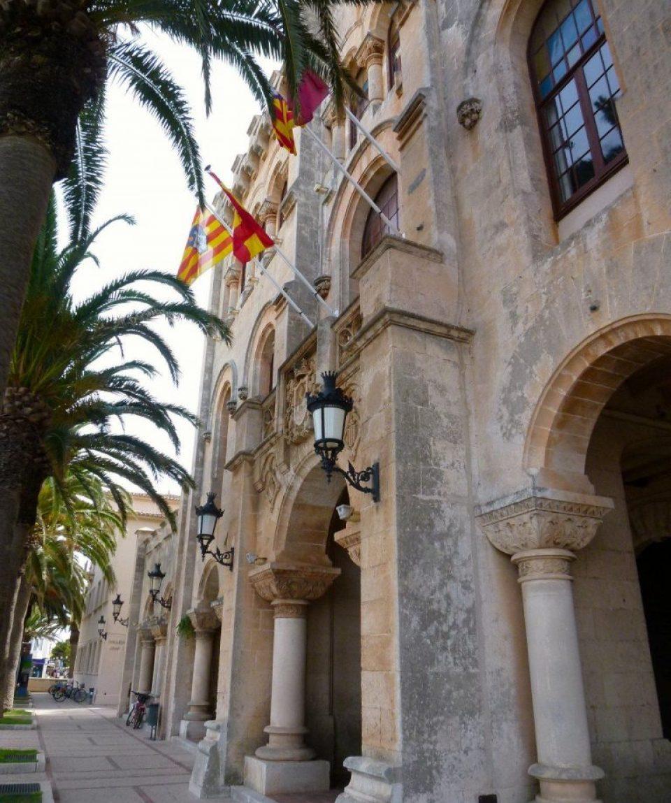 0005be_spain_menorca_Building-with-region-g.jpg