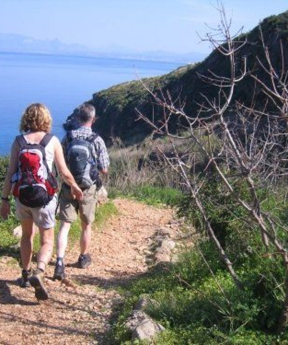 0005e8_italy_sicily_walkers-in-the-zinga-g.jpg