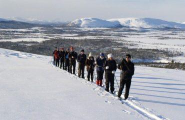 00068b_norway_group-of-skiers-g.jpg