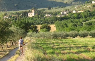 000730_italy_umbria_Cycle-to-Eggi-g.jpg