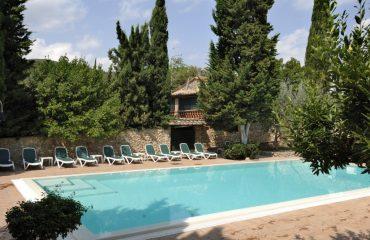 0007ab_italy_chianti_Swimming-pool-at-Hot-g.jpg