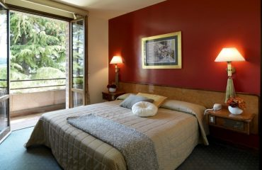 00081d_italy_chianti_Double-room-at-Relai-g.jpg