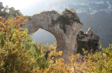 00084e_france_tarn-cevennes_Rock-arch-g.jpg