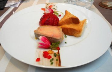 000851_france_loire_Fois-gras-starter-at-g.jpg