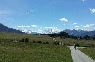 0008c6_italy_trentino_Italian-Alps-near-Re-g.jpg