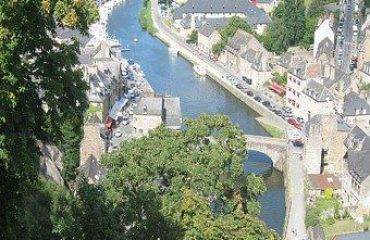 000920_france_brittany_Dinan-port-on-the-ri-g.jpg