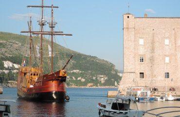000947_croatia_boat-g.jpg