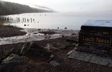 0009e5_britain_Loch-ness-at-Dores-g.jpg