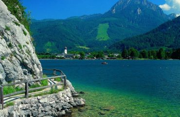 000b11_austria_salzburg_The-azure-waters-of--g.jpg