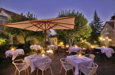000de9_france_dordogne_Restaurant-and-garde-g.jpg