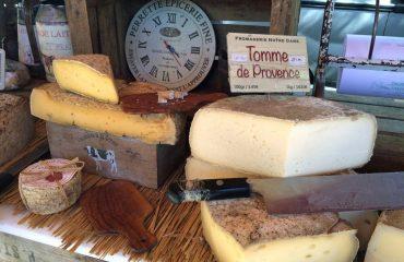 000e9a_france_provence_Provence-Cheese-g.jpg
