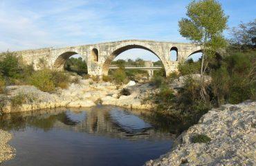 000eb4_france_provence_Pont-Julien-Bonnieu-g.jpg