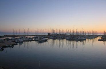 italy/sicily/000fe2/A-Sicilian-Marina-g.jpg