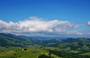 romania/transylvania/001278/Carpathian-Hills-g.jpg