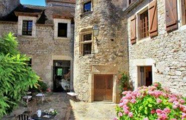 Hotel-La-Terrasse-Meyronne