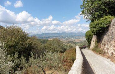italy/umbria/00176a/Leaving-Santa-Maria--g.jpg