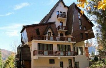 Villa-Oblique-in-Sinaia
