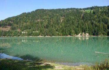 italy/trentino/0017d9/mountain-lake-g.jpg