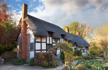Anne-Hathaways-Cottage-Stratford-upon-Avon