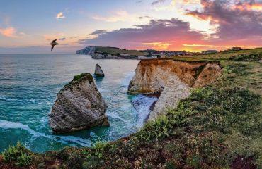 Two-Rocks-Isle-of_Wight-cc-Randomerophotos-istock
