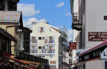 0000b5_france_french-alps_Busy-town-in-The-Fre-g.jpg