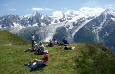 0000b8_france_french-alps_Group-sitting-whilst-g.jpg