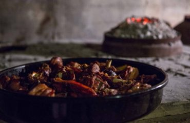 peka_-_traditional_meal_under_the_iron_bell.jpg