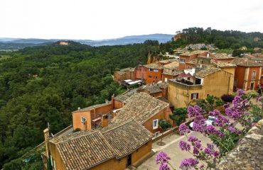 france/provence/001bb8/Roussillon-g.jpg