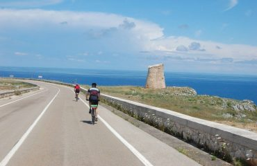 000579_italy_puglia_Cycling-along-the-Pu-g.jpg