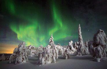 finland/finland-ski/001c16/Northern-Lights-over-g.jpg
