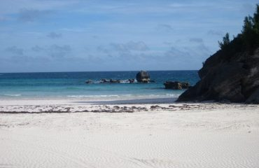 0001fd_bermuda_Beach-front-g.jpg