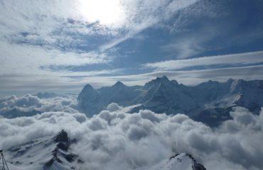 000517_switzerland_bernese-oberland-ski_Snow-capped-peaks-in-g.jpg