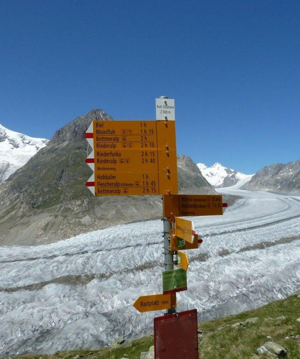 0006b7_switzerland_goms-ski_Signpost-in-Switzerl-g.jpg