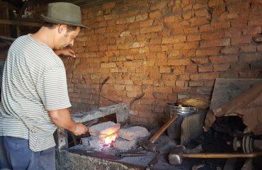 blacksmith_in_viscri_0.jpg