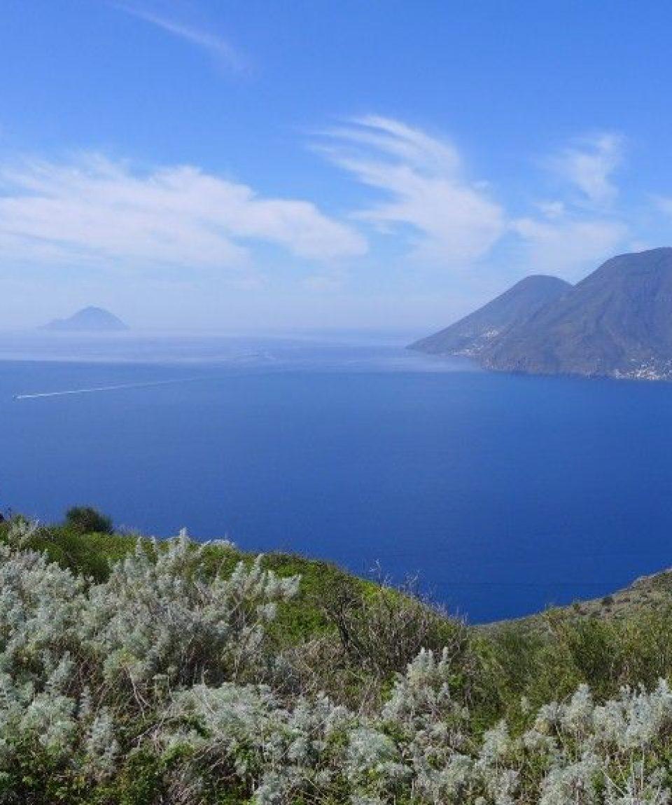 000bca_italy_sicily_Islands-of-Sicily-g.jpg