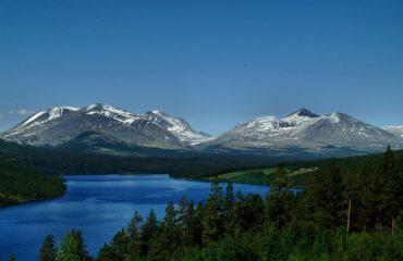 norway/any/001e61/Lake-and-mountain-vi-g.jpg